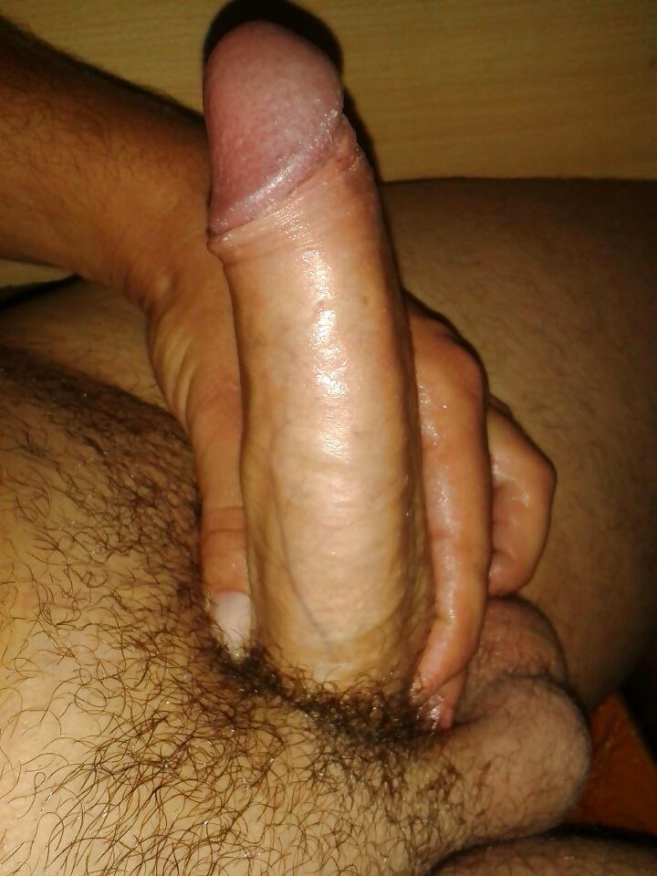 énormes couilles gros ejaculateur